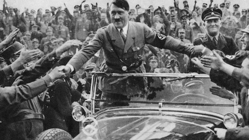 Hitler tussen fans